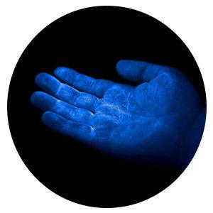 UV GERM Cuddle Bug - blue hand glow