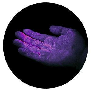 UV GERM Cuddle Bug - Red hand glow